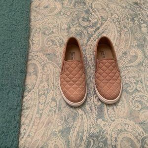 Steve Madden Ecentrcq Quilted Sneaker